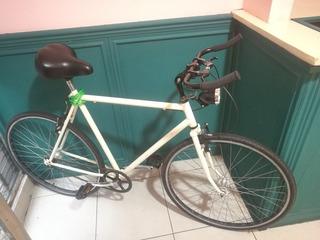 Bicicleta Rodado 28, Blanca Tipo Fixie. Bullhorn