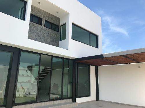 Casa En Venta. Pedregal De Vista Hermosa // Rcv180119-nv