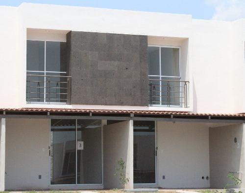 Casa Con Alberca Con La Mejor Ubicacion