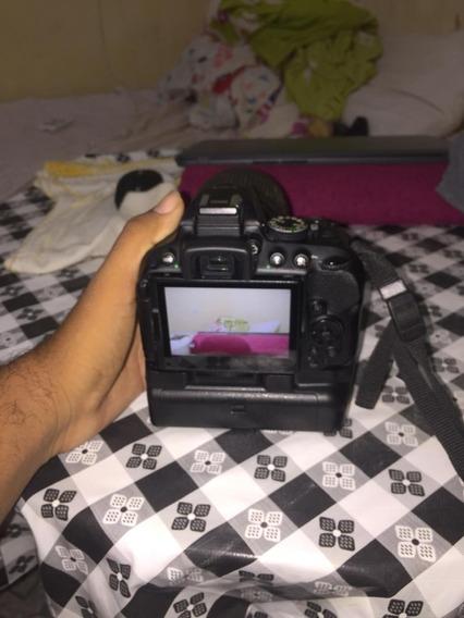 Camera Nikon D5300 Bem Conservada