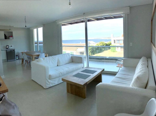 Apartamento En Alquiler Por Temporada De 4 Dormitorios En La Barra