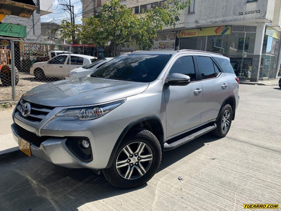 Toyota Fortuner Touring