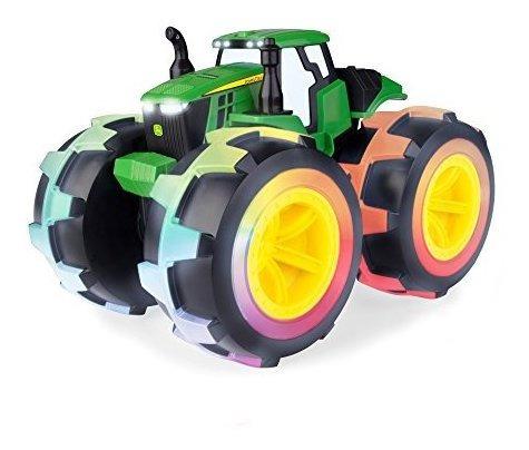 Imagen 1 de 5 de Tomy Tractor De Ruedas Rayos Lujo John Deere Monster Treads