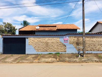 Casa 03 Quartos, 01 St, Jardim Buriti Sereno.
