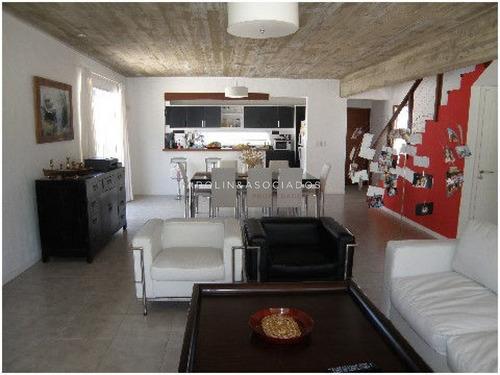 Venta De Casa De 3 Dormitorios En La Barra Punta Del Este -ref:2112