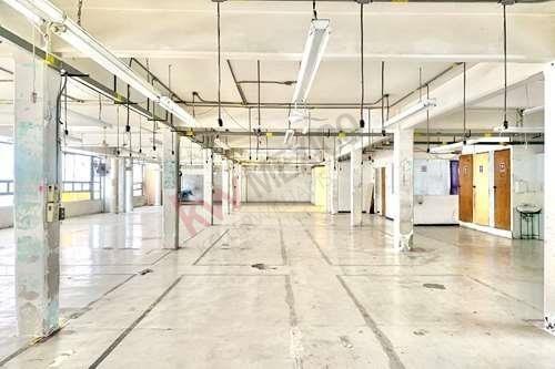 Se Renta Local Comercial En Edificio Industrial En El Centro De La Cdmx Calle 20 De Noviembre (fábrica, Taller, Bodega, Oficina) En Cuarto Piso Interior