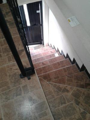 Casa Con Apartamentos En Venta- Santa Rosa
