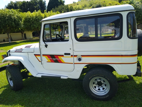 Toyota Bandeirante Jeep Bandeirantes