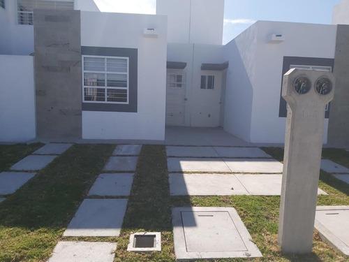 Casa En Venta En Eduardo Loarca, Queretaro, Rah-mx-20-754