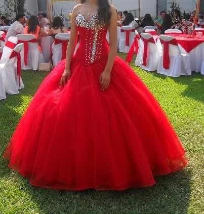 Vestido De Xv Años Rojo Con Pedrería, 2 Piezas