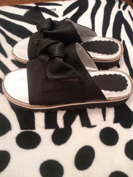Sandalias Con Moño Negras Talle 39