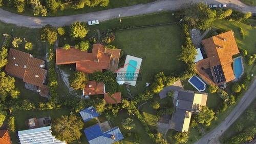 Casa En Pinares, 5 Dormitorios *- Ref: 4123