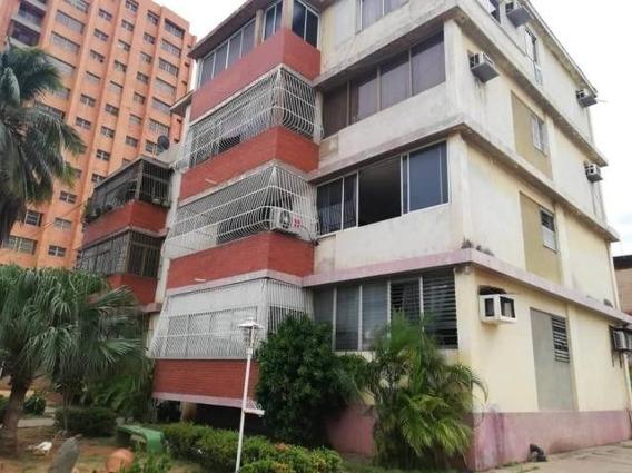 Apartamento En Alquiler Mls #20-207