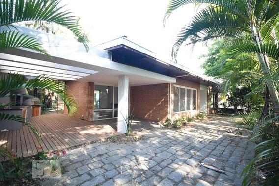 Casa Com 3 Dormitórios E 4 Garagens - Id: 892972874 - 272874