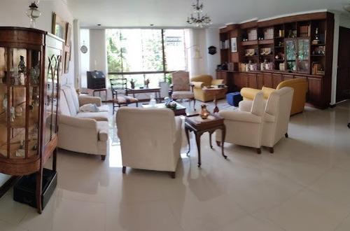 Imagen 1 de 6 de Apartamento En Venta Poblado 622-17538