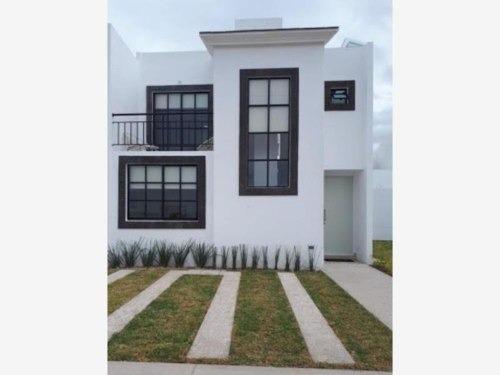 Casa Sola En Venta Norte De La Villa Con Habitacion En Planta Baja