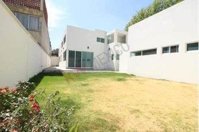 Casa En Renta Cerca De Plaza Crystal