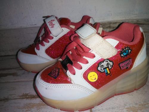 Zapatillas De Niña Con Luces Y Rueditas