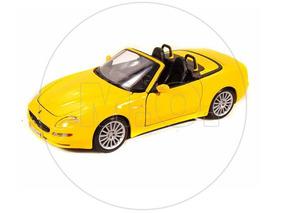 1:18 - Maisto Maserati Spyder - Amarelo