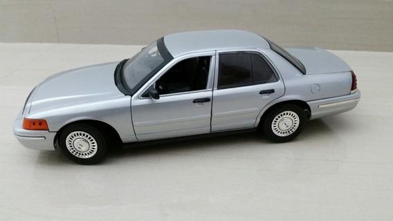 Ford Corwn Victoria Motormax 1/18