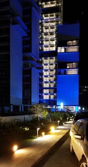Departamento En Venta En El Desarrollo Zentral En La Torre 1