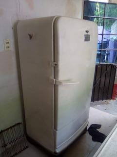 Remato Hermoso Refrigerador Vintage Enterito