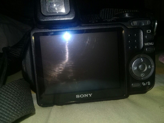 Cámara Fotografíca Sony De 7.2 Mega Pixels