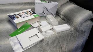 Consola Microsoft Xbox One S 1tb Blanca + Garantía