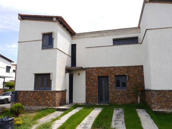 Casas En Venta En La Montañita Cabudare Lara 20-2825