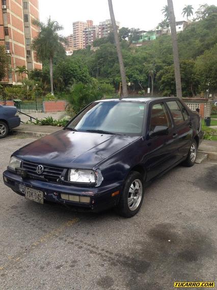 Volkswagen Vento Luxe