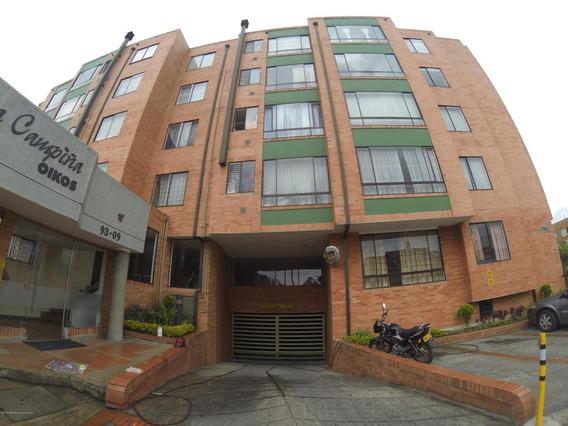 Apartamento En Venta En La Campiña Mls19-240rt