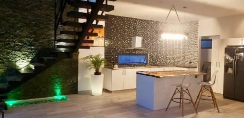 Increíble Casa De Diseño Moderno En El Residencial El Encuentro Playa Del Carmen P2963