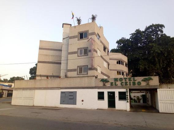 Hotel En Macuto Cod: 20-11423