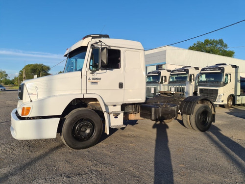 Mbenz 1624 Tractor 4x2 2011