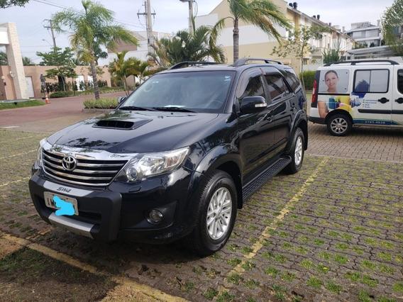 Toyota - Hilux Sw4 3.0 Tdi 4x4 Diesel 7 Lugares *único Dono*