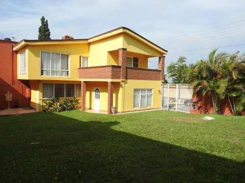 Venta De Casa En Fraccionamiento, Atlatlahucan, Morelosclave 2598