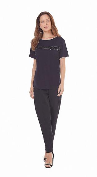 T-shirt Decote Redondo Detalhe Picueta Preto. M. Valentina