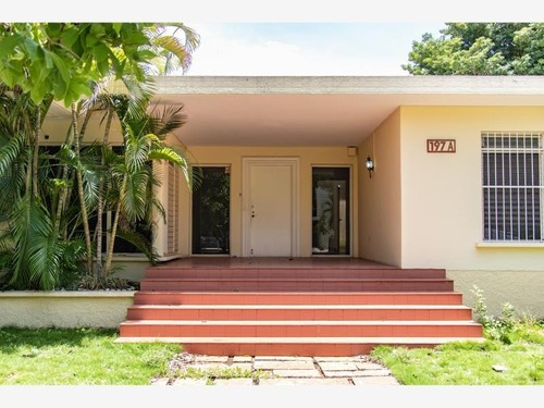 Casa Sola En Venta Av. Colon, Garcia Gineres