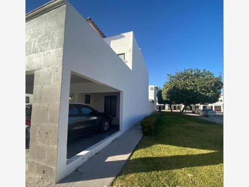 Imagen 1 de 8 de Casa Sola En Venta Las Lomas