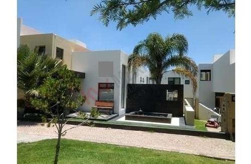 Casa En Venta En Pedregal I En San Luis Potosi, S.l.p.zona De Alta Plusvalía, Sobre Avenida, Vías Rápidas A Av. Chapultepec Y Periférico