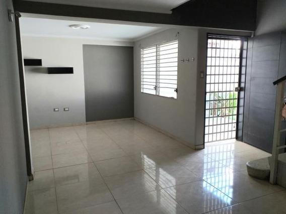 Casa En Venta Centro De Coro Cod-20-4473 04145725250