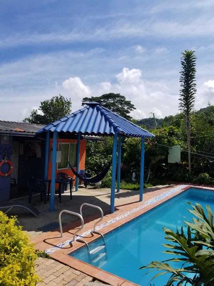 Casa Con Piscina, Restaurante, Tienda Bar, Camping, Caminata