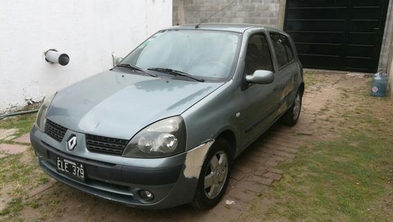 Renault Clio 1.6 Privilege 5 P 2004