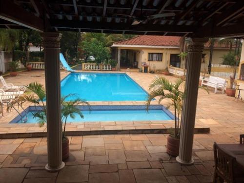 Magnífica Chácara Com 850 M² De Área Construída Em Um Terreno De 4.400 M², No Condomínio Residencial Recreio Internacional Na Cidade De Ribeirão Preto - Ch00010 - 68531493