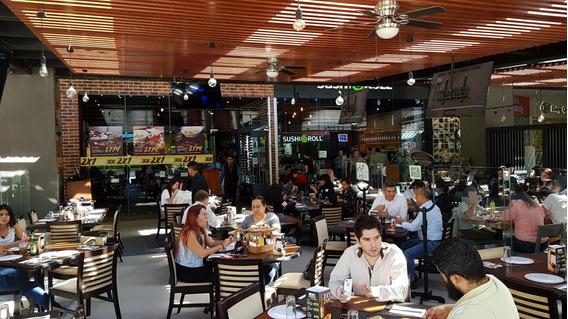 Traspaso Magnifico Restaurante En Plaza Concurrida
