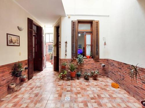 Imagen 1 de 30 de Venta De Casa Con Terraza Y Garage En Parque Patricios