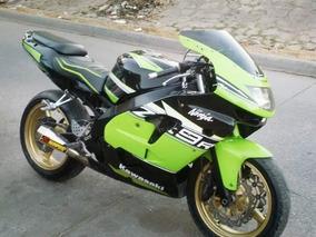Kawasaki Ninja 900cc Modelo 98