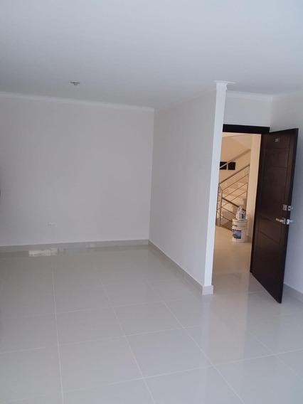 Apartamento En Alquiler San Isidro, Las Cayenas