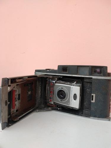 Polaroid 900