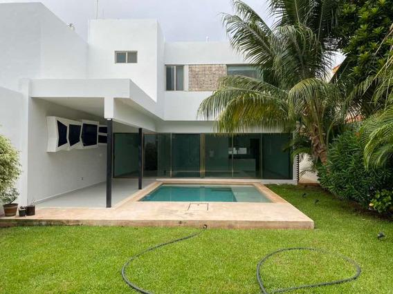 Hermosa Residencia De 4hab. Al Norte De La Cd
